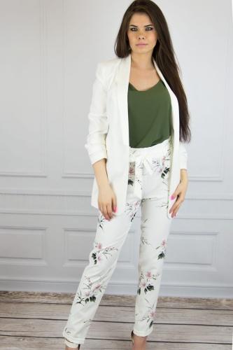 b99d521dd9f2cb Eleganckie spodnie damskie ecru w kwiaty W18 073-1 Pink