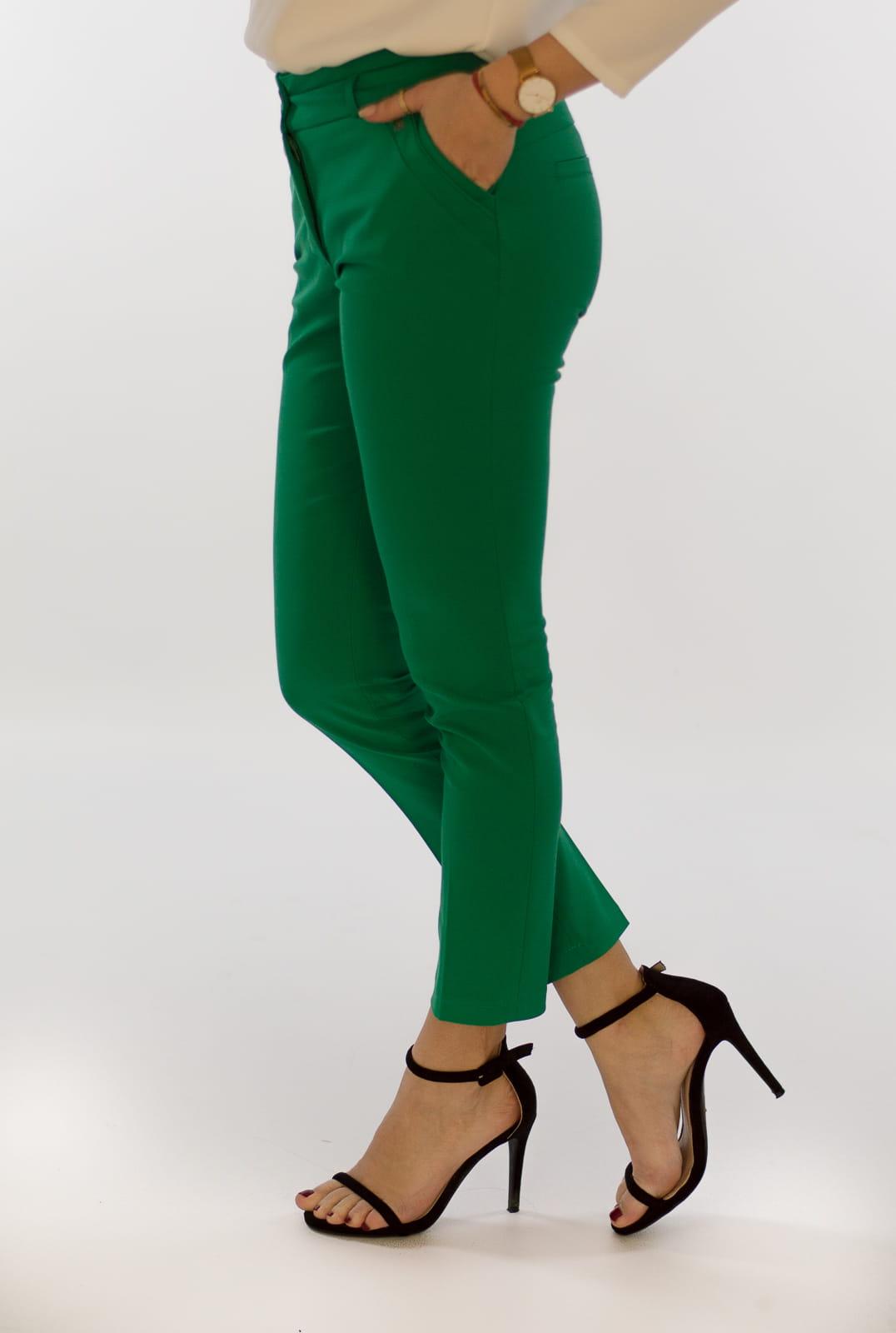 db5a23004a0d2f Eleganckie spodnie damskie BB zielone 7/8 - Isuka. 27946_24655. promocja.  27946_24655; 27946_24656; 27946_24657; 27946_24658; 27946_24659